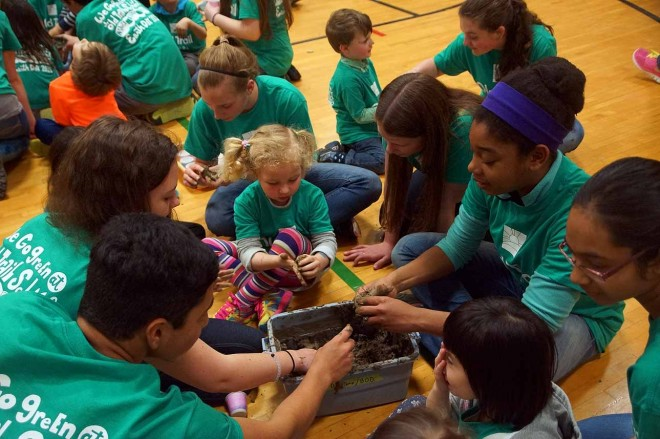 Old-Trail-School-Students-Earth-Day-2015-4